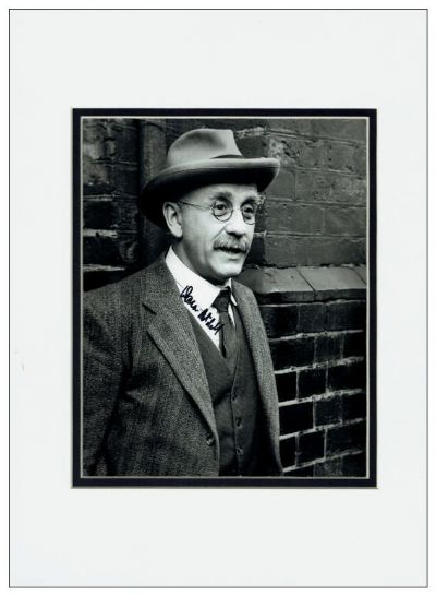 Warren Mitchell Autograph Signed Photo - Alf Garnett